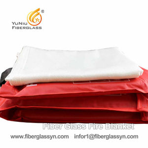 Customized 1.8*1.8M Fiberglass Fire Resistant Blanket in China